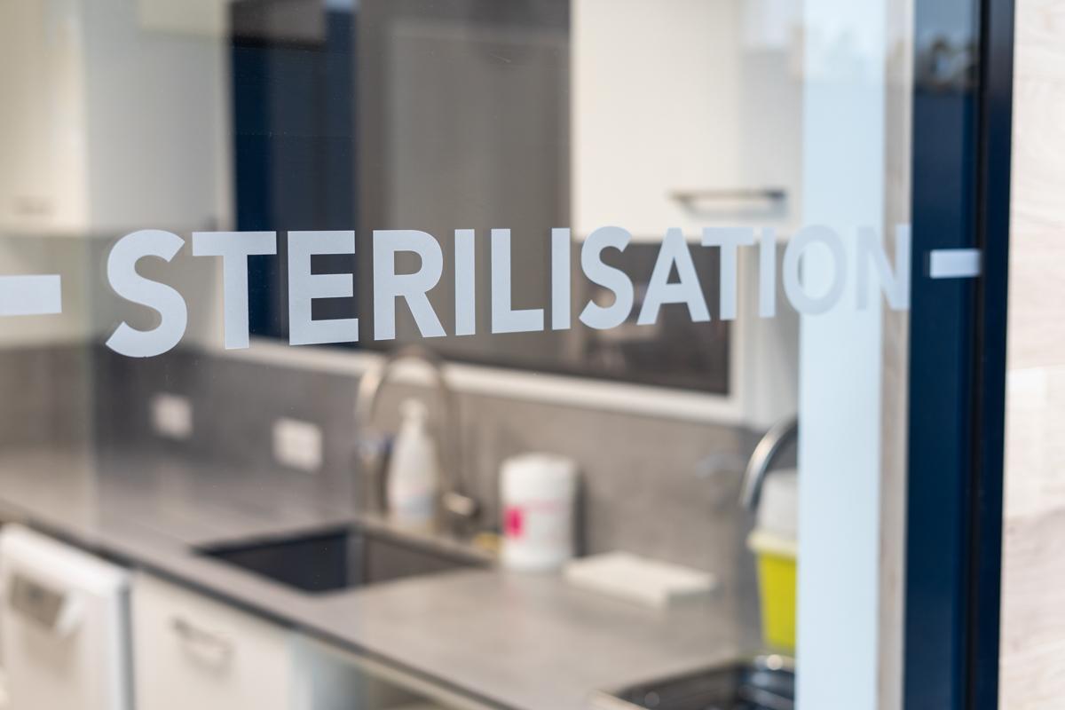 Salle de stérilisation, cabinet dentaire Gaya, Aigrefeuille-sur-Maine